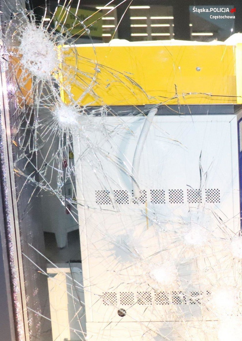 Wjechali autem do sklepu, by ukraść bankomat