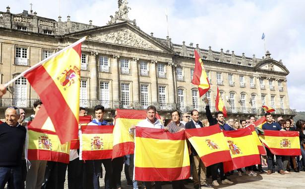 """Do Barcelony zostały ściągnięte z całej Hiszpanii dodatkowe siły policyjne, oceniane na """"tysiące funkcjonariuszy""""."""