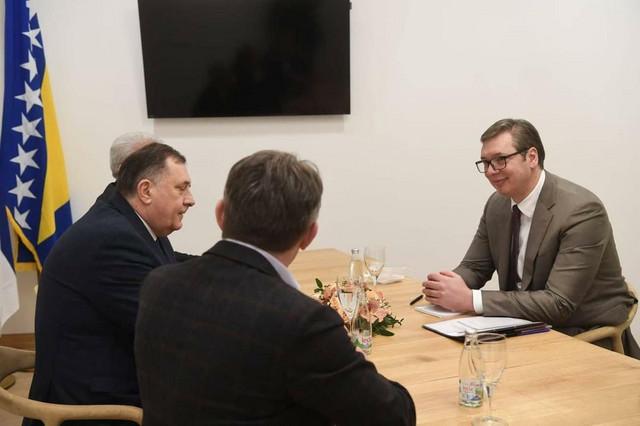 Sastanak Vučiča sa članovima Predsedništva Bih
