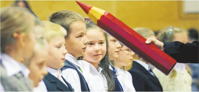 Więcej wymaga się od sześciolatków pasowanych na uczniów Fot. Piotr Ulanowski/Freepresspl