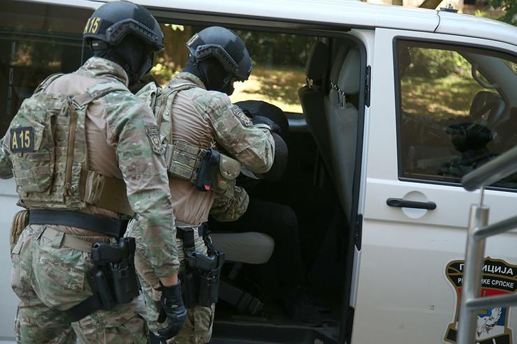Policija RS - hapšnje specijalna-antiteroristicka-jedinica-SAJ- Sinisa Sakic 01-foto-S-PASALIC