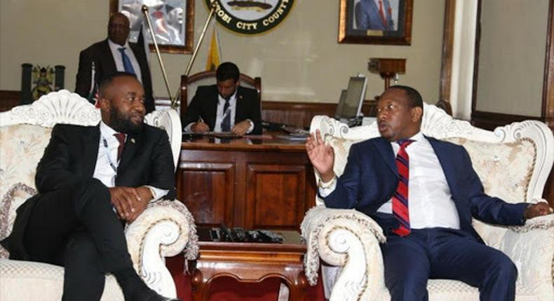 File image of Mombasa Governor Hassan Joho (Left) and his Nairobi counterpart Mike Sonko