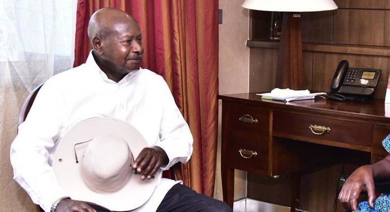 Ugandan President Yoweri Museveni during his visit to former President Daniel Toroitich arap Moi (Twitter)