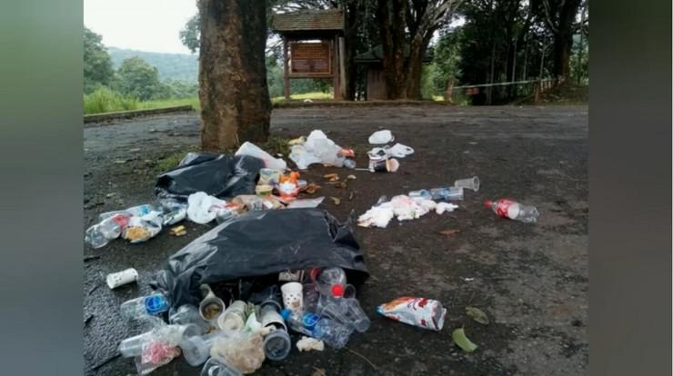 Tajland, vraćanje smeća turistima