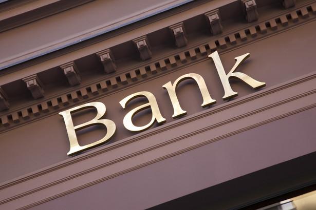 KNF: żaden z czołowych banków nie planuje ujemnego oprocentowania depozytów klientów detalicznych