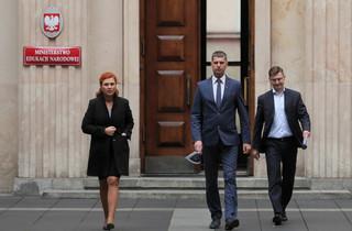 Piontkowski: Kierownictwo MEN przeciwne odgórnemu zamykaniu wszystkich szkół