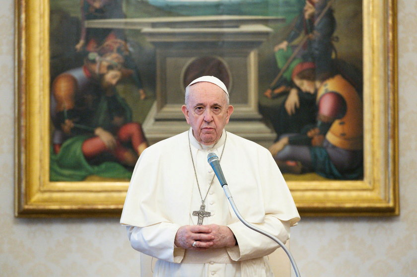 Papież zaskoczył pracowników. Liczyli na słodycze, a dostali leki
