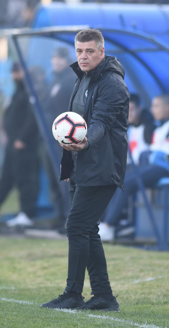 Savo Milošević, trener crno-belih, na meču Rad - Partizan