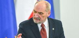 Macierewicz chce się pozbyć śledczych smoleńskich