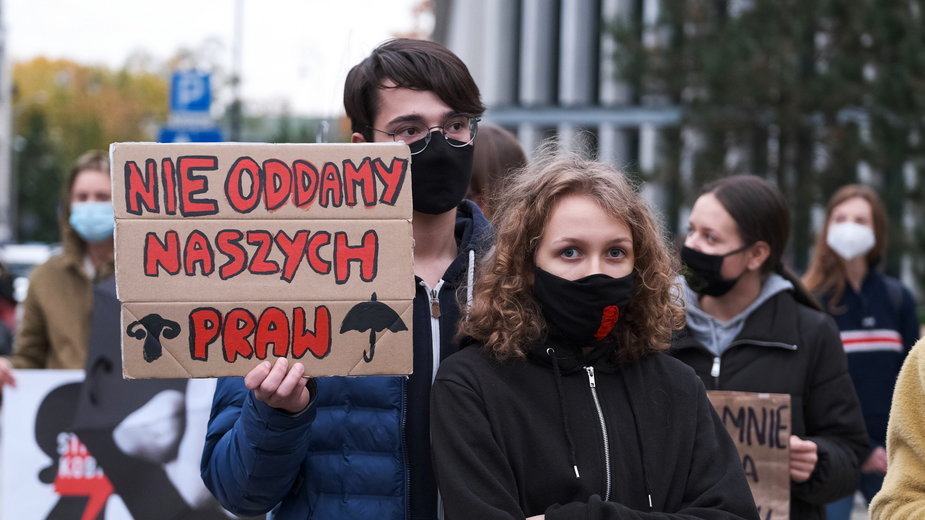 """Korolczuk: panu Kaczyńskiemu kwestia aborcji """"powiewa kalafiorem"""""""