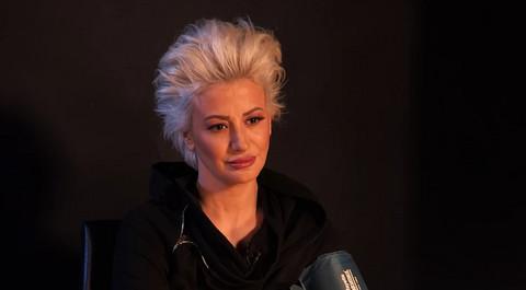 Dušica Jakovljević se OVAKO OBUČENA pojavila na MATURSKOJ VEČERI: A onda se pojavila i njena drugarica iz odeljenja, takođe voditeljka!