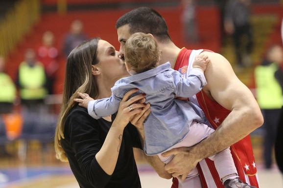 Porodica Lazić: Branko sa suprugom Natašom i ćerkicom Sarom