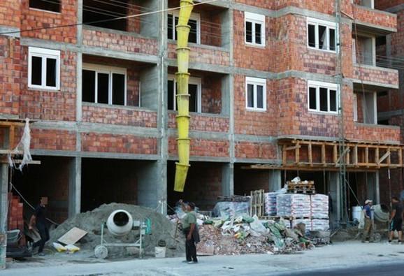 Divlja gradnja u Borči