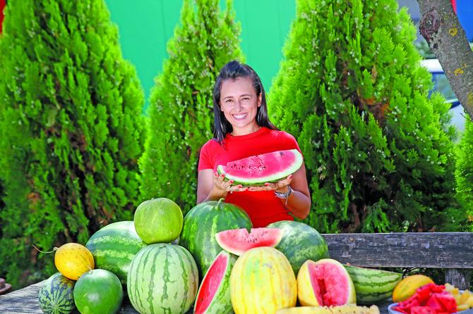 Upoznajte Magdalenu koja gaji najslađe lubenice