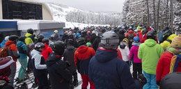 Najazd narciarzy na Zieleniec. Brak miejsc na parkingach, tłok na stokach