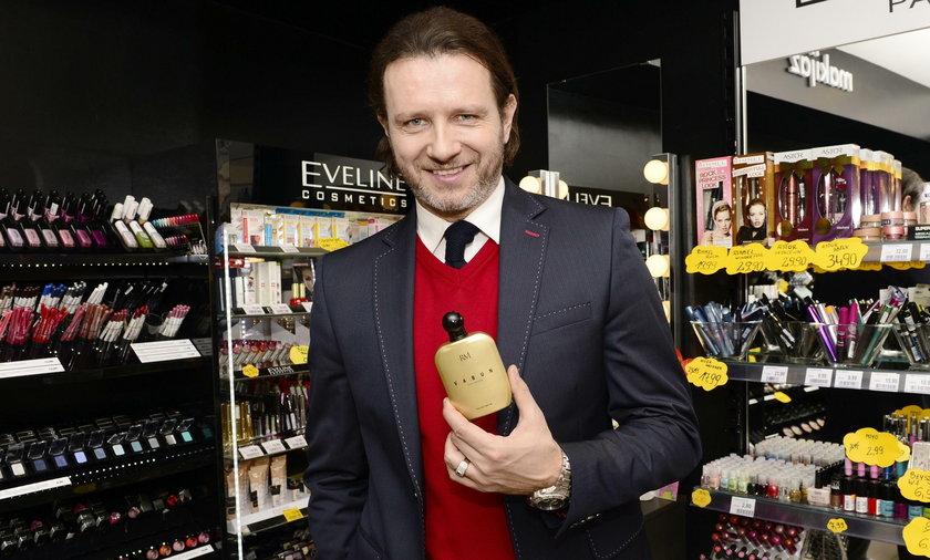 """Radosław Majdan promuje swoje nowe perfumy """"Vabun"""""""