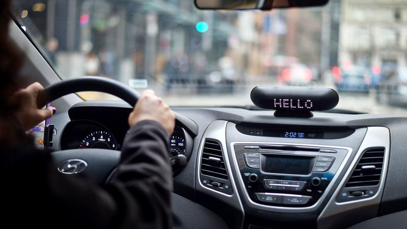 Lyft ułatwia pracę niedosłyszącym kierowcom
