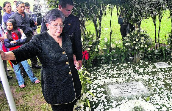Verovala je bespogovorno u sina: Eskobarova majka Hermilda Gavirija branila ga je i posle njegove smrti
