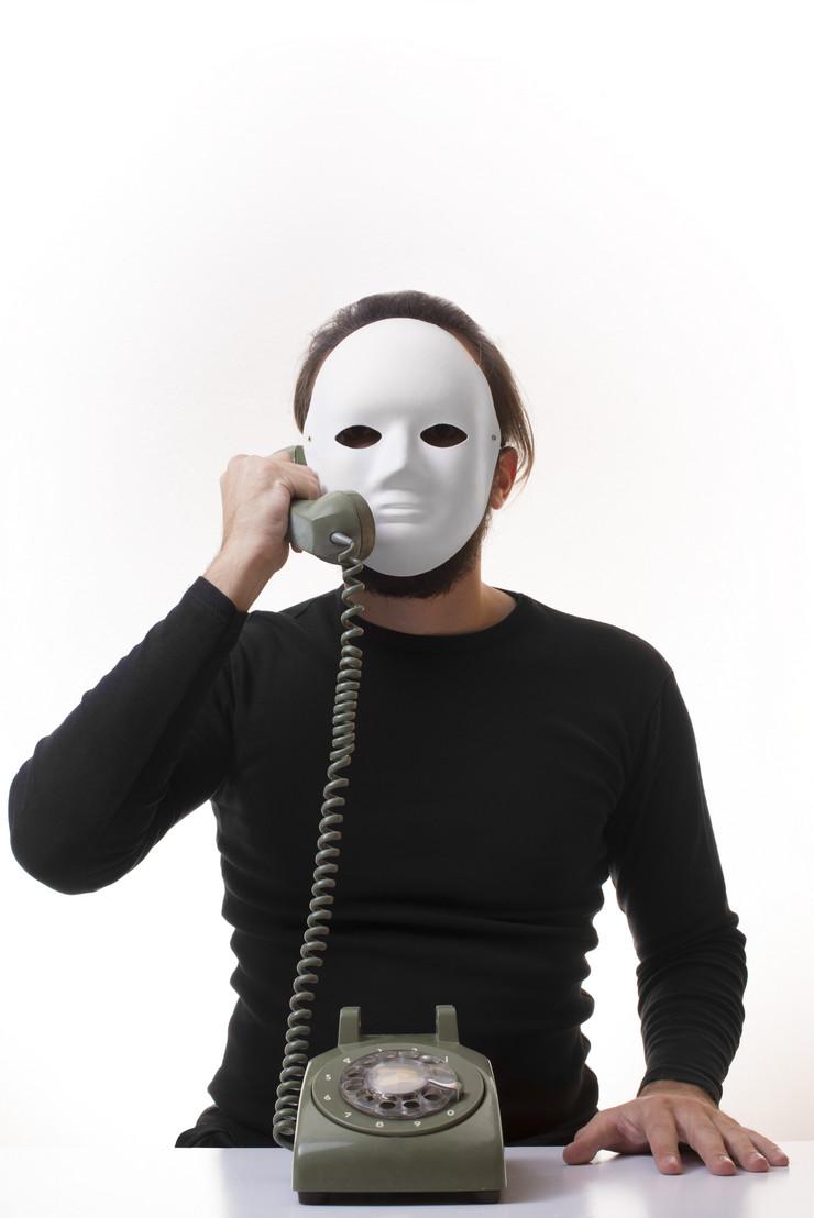 pretnje maska telefon preteći pozivi anonimus