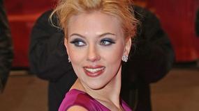 Scarlett Johansson wykonuje przebój New Order