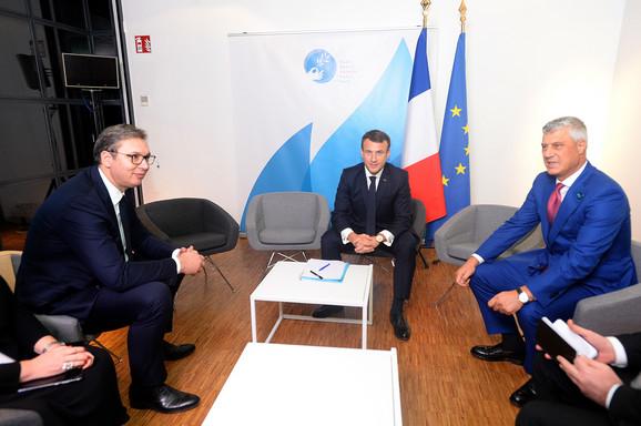 Aleksandar Vučić, Hašim Tači, Pariz