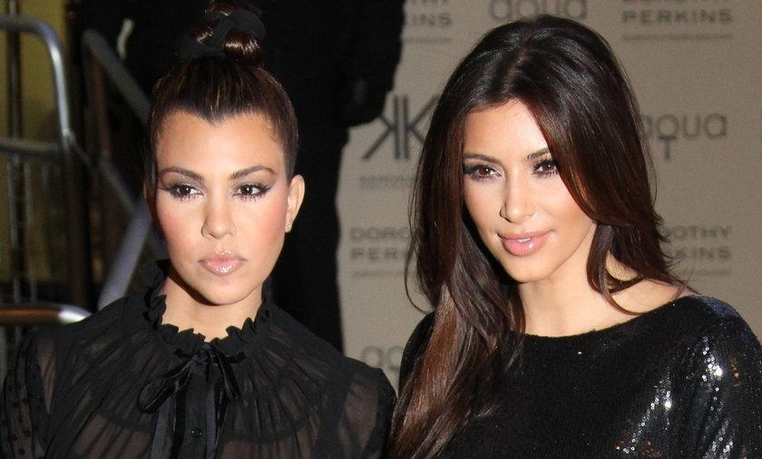 Kim, right i Kourtney Kardashian