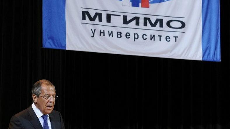 Jednym z absolwentów MGIMO jest minister spraw zagranicznych Rosji Siergiej Ławrow
