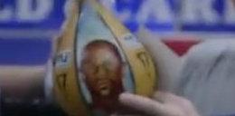 Pacquiao cały czas obija twarz Mayweathera