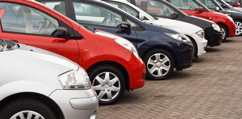 Jak kupić samochód i na tym nie stracić?