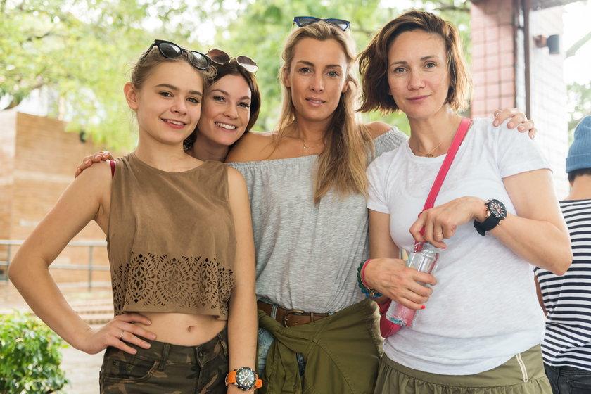 """Karolina Ferenstein-Kraśko z uczestniczkami trzeciego sezonu """"Agent - Gwiazdy"""""""