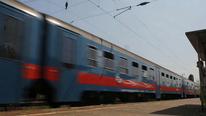 768a37fb74f0 Sínre dőlt fák, leszakadt vezetékek: késlelteti a vonatközlekedést a ...