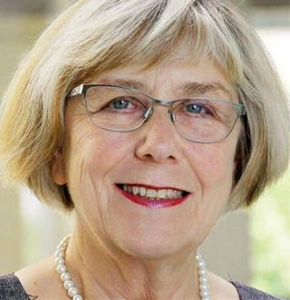 Elżbieta Gołata profesor nauk ekonomicznych, przewodnicząca Komitetu Nauk Demograficznych PAN, prorektor Uniwersytetu Ekonomicznego w Poznaniu