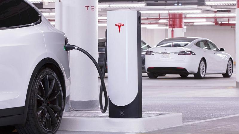 Tesla Urban Superchargers - szybkie ładowarki Tesli trafią do miast