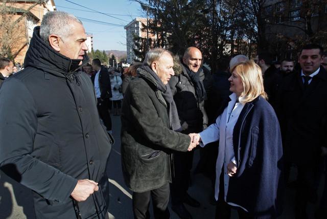 Zvezdan Terzić, generalni direktor Crvene zvezde sa Draganom Džajićem, počasnim predsednikom, i Mitrom Mrkelom, sportskim direktorom