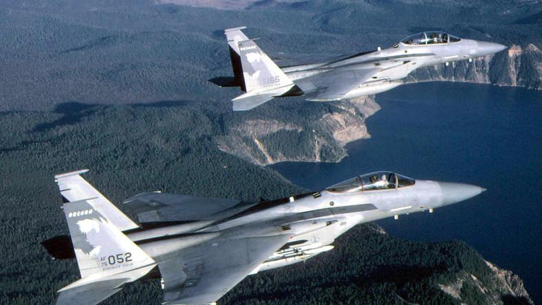 Amerykańskie myśliwce F-15C Eagle