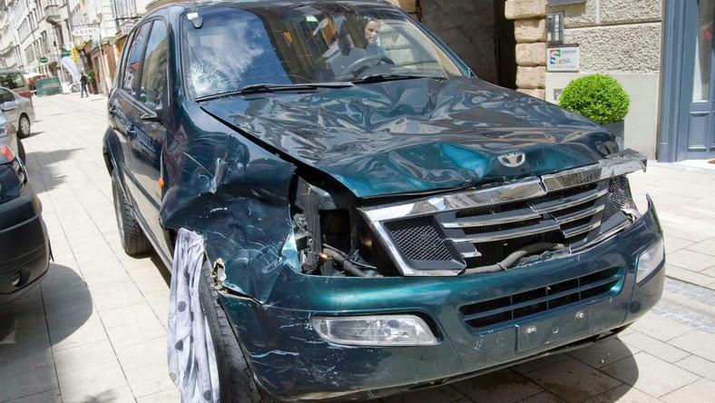 Szaleniec wjechał autem w tłum ludzi w austriackim Grazu. Są zabici i ranni