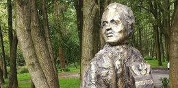 """Postawili pomnik zmarłemu politykowi PiS. """"Znałem go, ale nie rozpoznaję"""""""