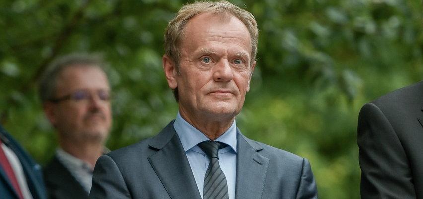 """Donald Tusk o """"Polskim Ładzie"""":  autorskim pomysłem PiS-u są wyższe podatki i drożyzna"""