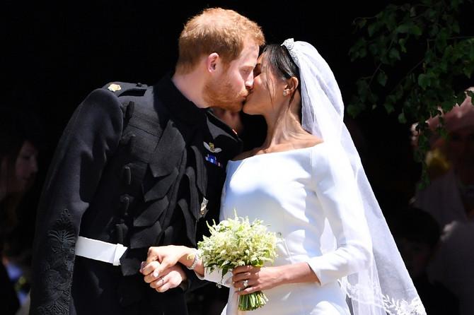 Poljubac na venčanju u Vindzoru
