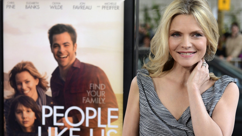 "Michelle Pfeiffer na premierze ""People Like Us"""