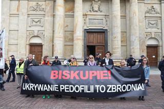 Warszawa: Manifestacja przeciwko tuszowaniu przypadków pedofilii w Kościele