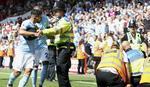 PRIJAVA POLICIJI Aguero udario redara tokom proslave gola