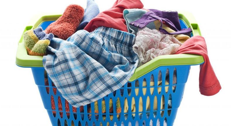 Cleaning colored clothes(A Mess Free Life)
