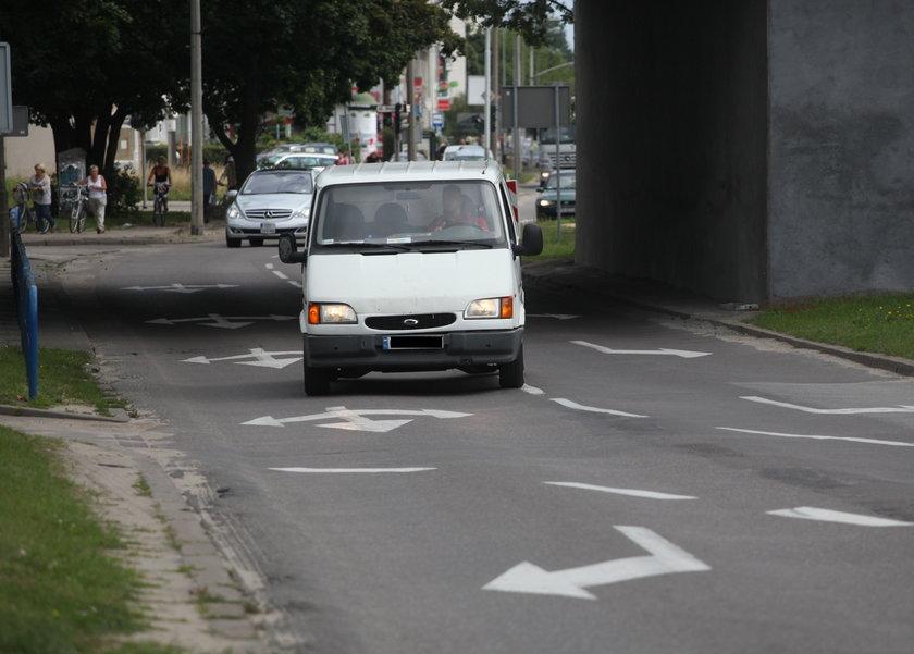Samochód dostawczy na ul. Kołobrzeskiej