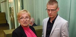 """Wstrząsający wywiad z matką Tomasza Komendy. """"Pluli nam pod nogi, wyzywali"""""""