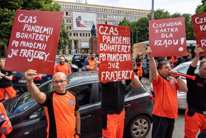 Protest ratowników medycznych w Katowicach