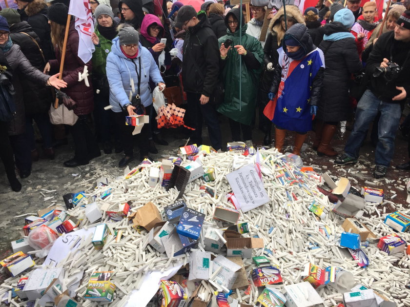 Protestowali przeciw reformie PiS
