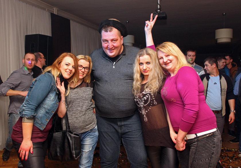 Adam Kraśko z zespołem