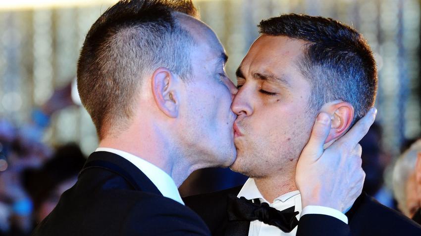 Francja Pierwszy ślub Gejów We Francji