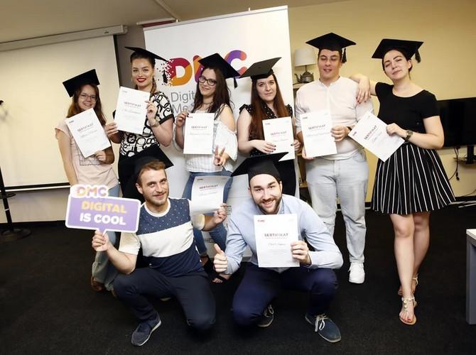 Dodeljene diplome 4. generaciji DMC-a